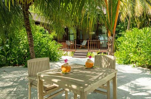 Deluxe Beach Villa, Fiyavalhu Maldives