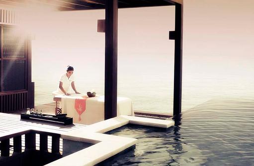 Water Villa mit Pool, In-Room Spa, Four Seasons Resort Maldives at Kuda Huraa
