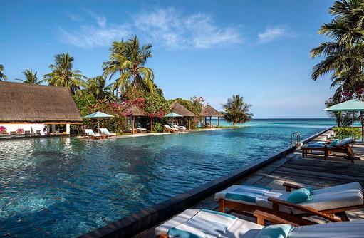 Hauptpool, Four Seasons Resort Maldives at Landaa Giraavaru