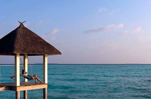 Relaxen in einer Maledivischen Schaukel, Four Seasons Resort Maldives at Landaa Giraavaru