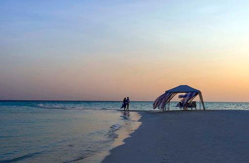 Dinner am Strand, Four Seasons Resort Maldives at Landaa Giraavaru