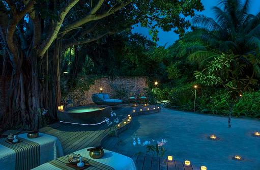 Spa bei Nacht, Four Seasons Resort Maldives at Landaa Giraavaru