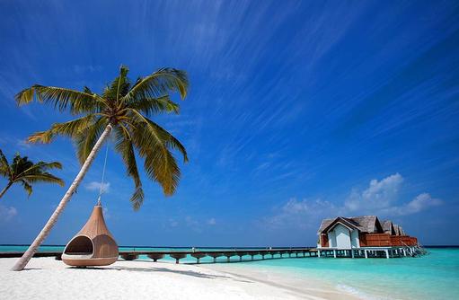 Steg zu den Over Water Villas, Furaveri Island Resort & SPA, Maldives