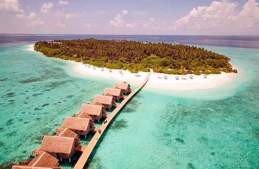 Blick auf die Insel mit den Wasservillen, Furaveri Maldives