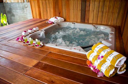 Jacuzzi im Spabereich, Furaveri Island Resort & SPA, Maldives