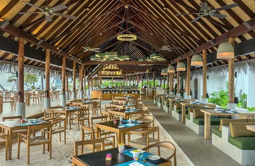 Korakali Buffetrestaurant, gedeckter Tisch, Fushifaru Maldives