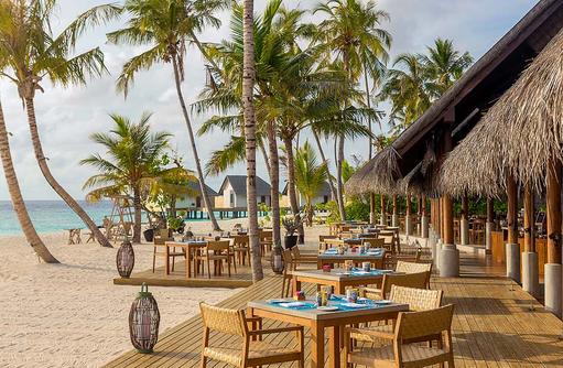 Korakali Buffet Restaurant, Aussenterrasse, Frühstückzeit, Fushifaru Maldives
