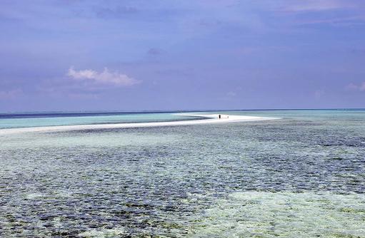 Sandbank, endloser Spaziergang, Gangehi Island Resort, Maldives