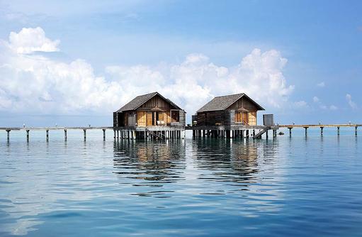 Water Villas, Blick vom Meer, Gangehi Island Resort, Maldives