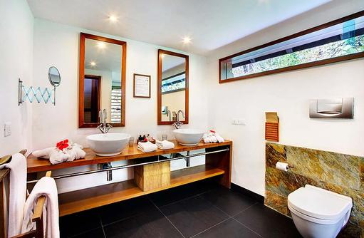 Beach Villa, Badezimmer, Gangehi Island Resort, Maldives