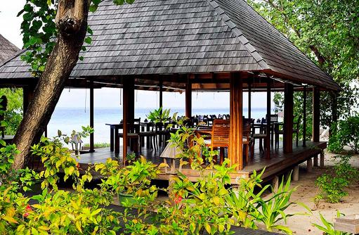 Veli Restaurant von aussen, Gangehi Island Resort, Maldives