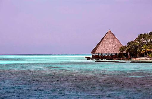 Kandu Bar, Gangehi Island Resort, Maldives