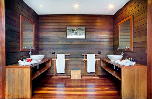 Overwater Deluxe Villa, Badezimmer, Waschbecken, Gangehi Island Resort, Maldives