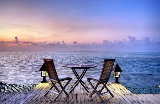 Restaurant Thari, Terrasse, Gangehi Island Resort, Maldives