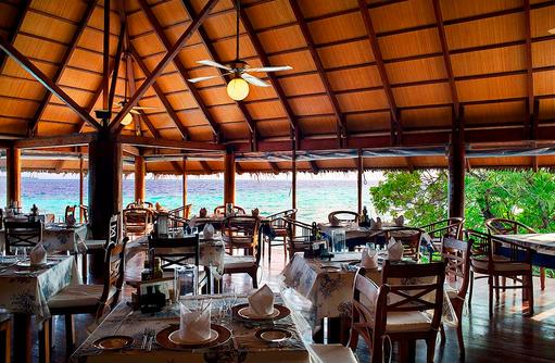 Veli Restaurant, Blick auf das Meer,Gangehi Island Resort, Maldives