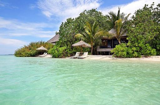 Beach Villa, erste Strandlage, Natur, Gangehi Island Resort, Maldives