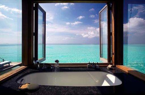 Badewanne mit Meerblick in der Residence, Gili Lankanfushi, Maldives