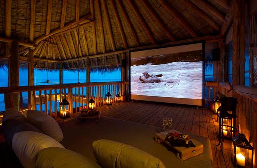 Privates Kino im Private Reserve, Robinson Crusoe Feeling, Gili Lankanfushi, Maldives