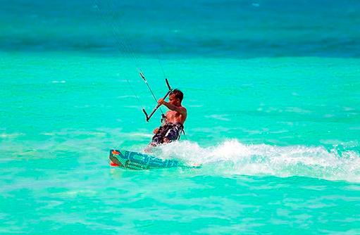 Kitesurfen, Hideaway Beach Resort & SPA, Maldives