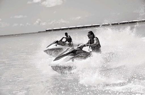 Jetski fahren, Hideaway Beach Resort & SPA, Maldives