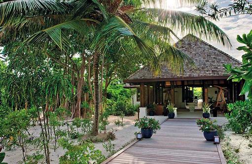 Steg zum Spabereich, Hideaway Beach Resort & SPA, Maldives