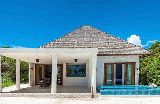 Terrasse und Pool der Beach Residence Plunge Pool, Hideaway Beach Resort & SPA, Maldives