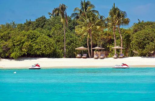 Jetskis am Strand, Hideaway Beach Resort & SPA, Maldives