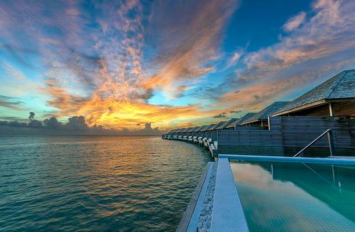 Blick auf die Ocen Pool Villen, Hurawalhi Island Resort, Maldives
