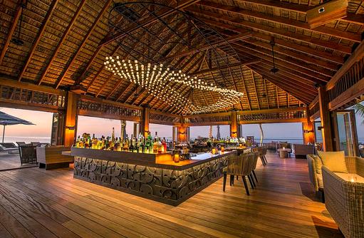 Bar in der Coco Bar, Hurawalhi Island Resort, Maldives