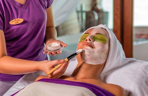 Gesichtsbehandlung im Duniye Spa, Hurawalhi Island Resort, Maldives