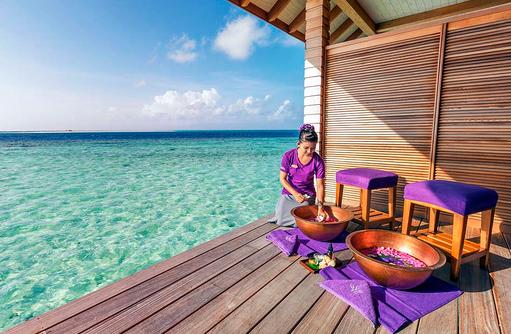 Fußbad mit Ausblick aufs Meer, Duniye Spa, Hurawalhi Island Resort, Maldives