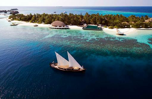 Vogelperspektive auf die Insel, Dhoni, Huvafen Fushi Maldives