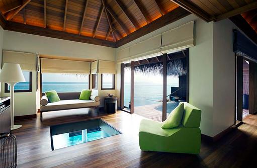 Ocean Bungalow with Pool, Wohnzimmer, Glasboden, Privatpool, Huvafen Fushi Maldives