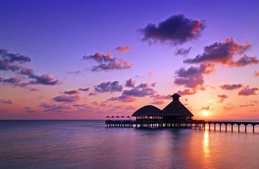 Salt and Raw Restaurant, Overwater Restaurant, Sonnenuntergang, Huvafen Fushi Maldives
