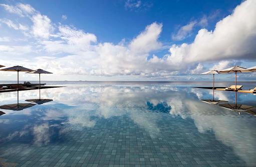 Infinity Pool, Huvafen Fushi Maldives