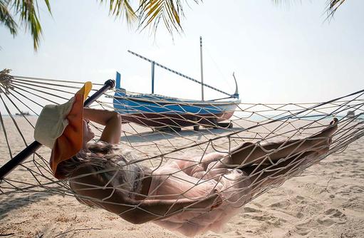 Hängematte am Strand, Innahura Maldives Resort