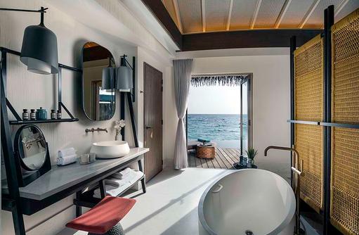 Bathroom - Overwater PoolVilla, InterContinental Maldives