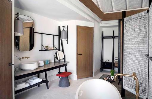 Bathroom - Beach Villa with Pool, InterContinental Maldives