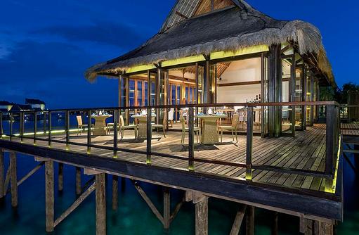 Fenesse Restaurant von Außen, Jumeirah Vittaveli, Maldives