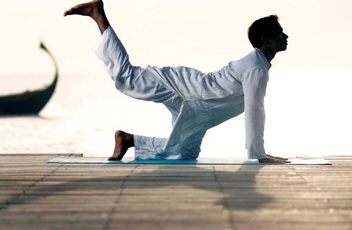 Yogaübungen, Jumeirah Vittaveli, Maldives