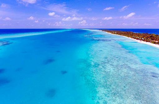 türkisblaues Meer, Riff, Kandima Maldives