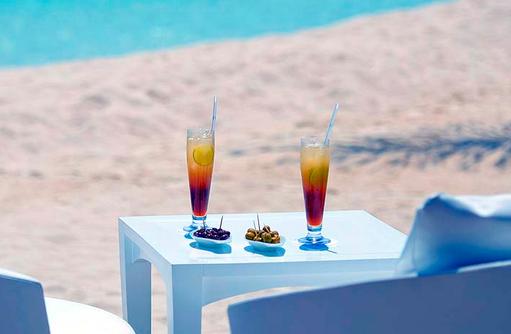 Cocktails am Strand | Kandolhu Maldives