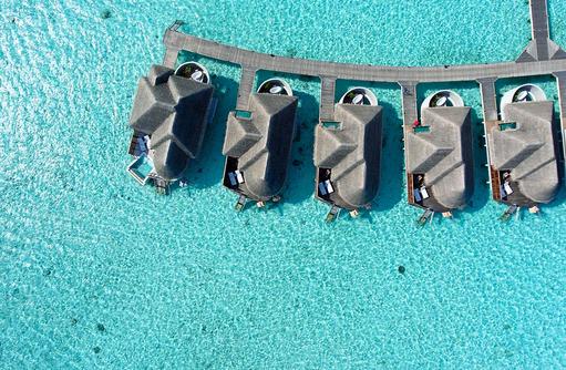 Water Villa von Oben, Vogelperspektive I Kanuhura Maldives