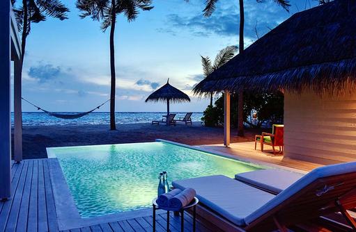 Retreat Grand Beach Pool Villa, Infinity Pool, Hängematte I Kanuhura Maldives