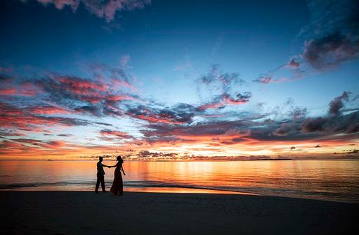 Romantischer Sonnenuntergang I Kanuhura Maldives