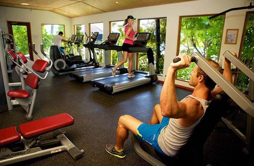 FitnessCenter mit Laufbändern, Komandoo Island Resort, Maldives