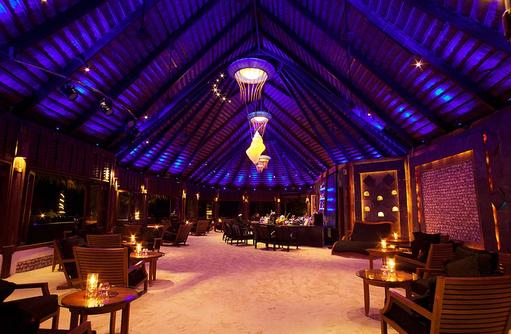 Kandu Bar mit Sandboden, Komandoo Island Resort, Maldives