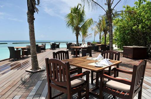 Terrasse am Pool, Komandoo Island Resort, Maldives