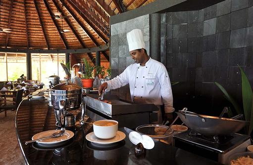 Showcooking im Falhu Restaurant, Komandoo Island Resort, Maldives
