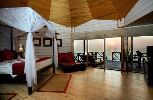 Jacuzzi Wasser Villa von Innen, Komandoo Island Resort, Maldives